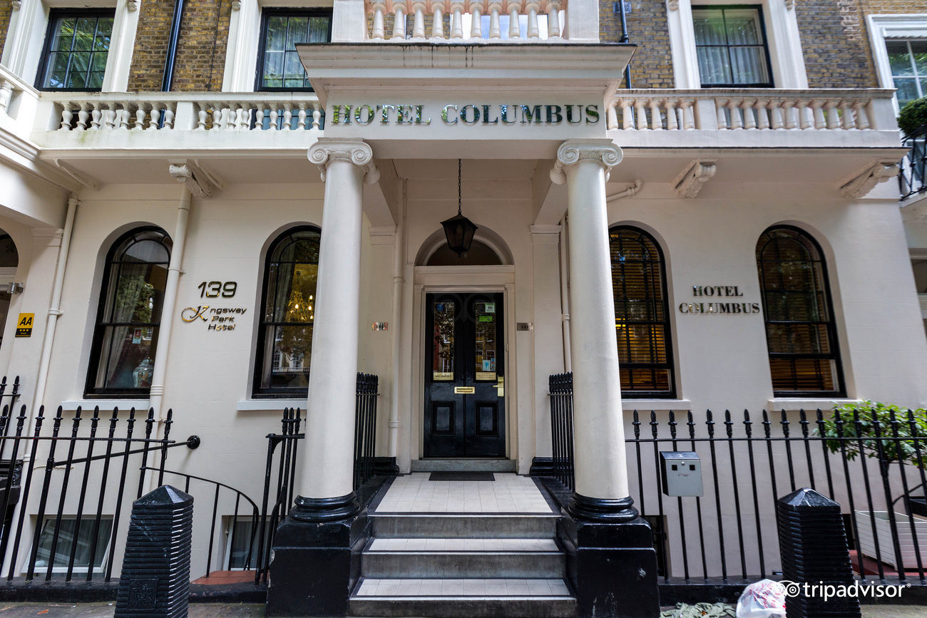 Hotel murah di London selanjutnya yaitu Columbus Hotel, yang penampilannya megah namun tetap minimalis