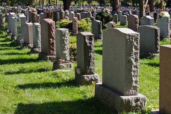 Mơ thấy nhiều ngôi mộ
