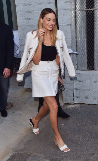 Margot Robbie's black and white look