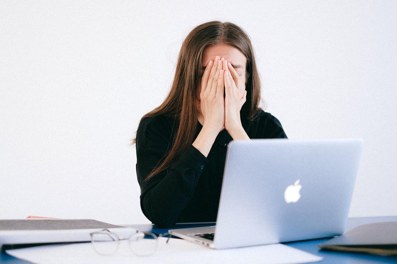 Estresse no trabalho pode desencadear doenças graves como depressão profunda