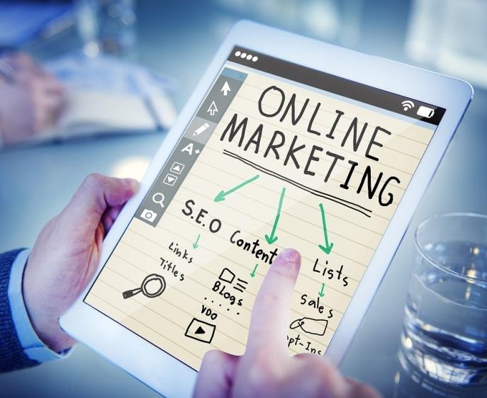 8 Reasons Why You Should Outsource Online Marketing