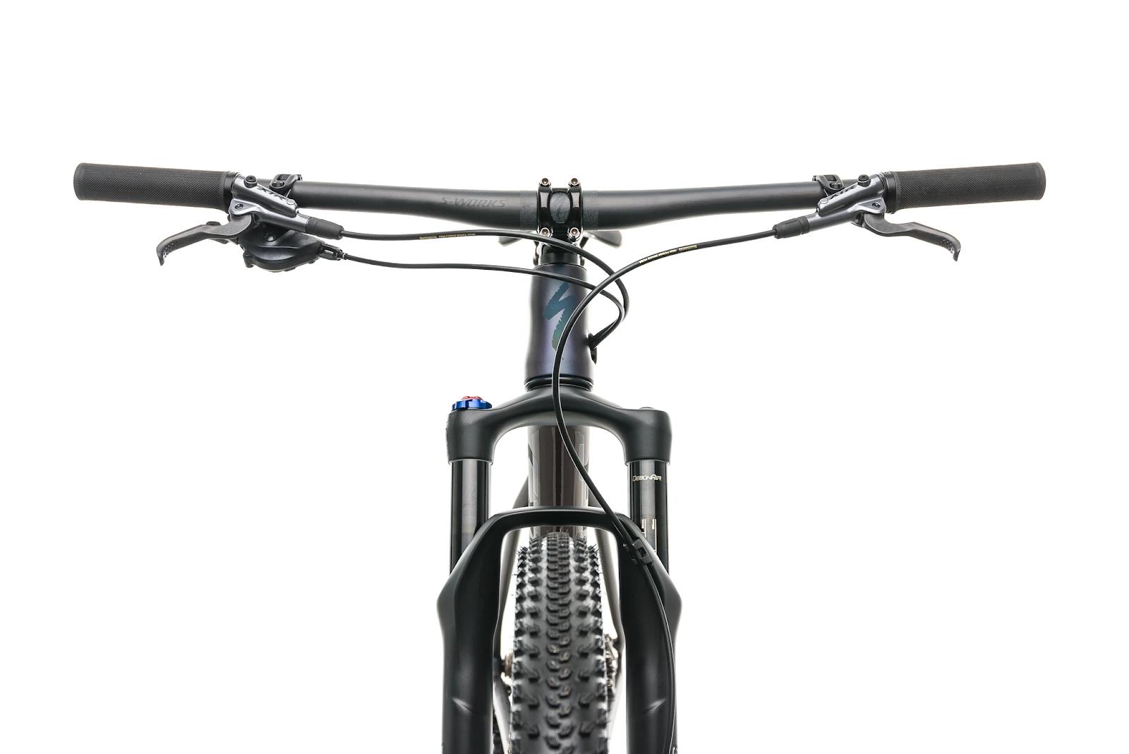 Mountain bike flat handlebar.