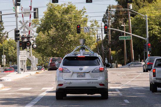 在谷歌无人驾驶汽车眼中,人类是如何开车的?