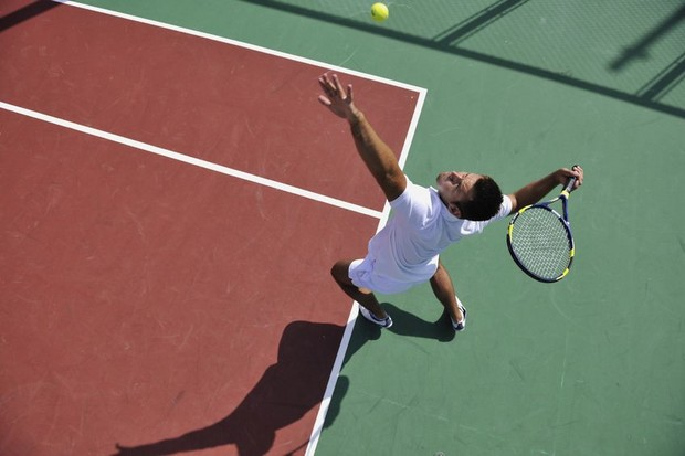 service-tennis.jpg