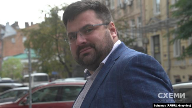 Андрій Наумов не захотів відповідати на запитання «Схемам» і порадив журналістам з'ясовувати все через пресслужбу СБУ