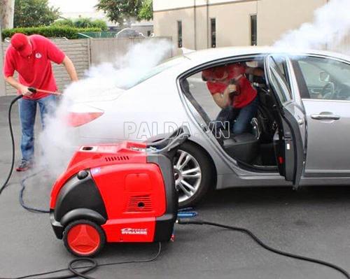 Tăng chất lượng vệ sinh khi sử dụng máy phun rửa xe hơi nước nóng