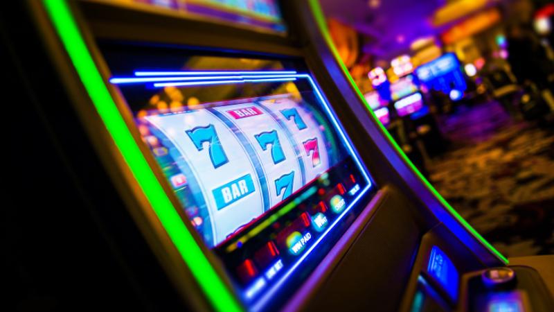 Slot Games in Land-based or Online Casino