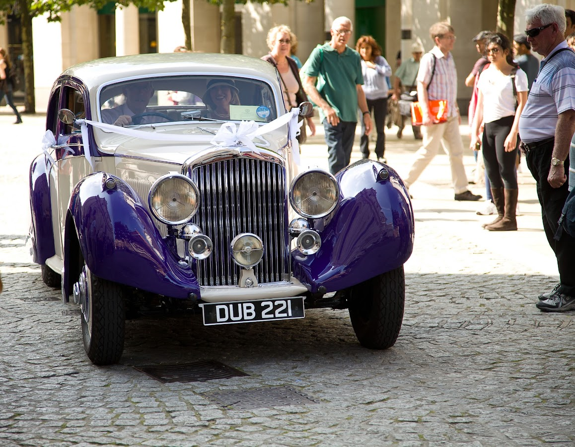 Vintage Bentley - St. Paul's Cathedral