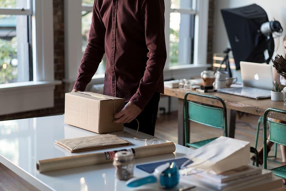 Parcel Deliveries | 5 Easy Ways to Make Money While Traveling | Best Travelling Jobs | TrendPickle