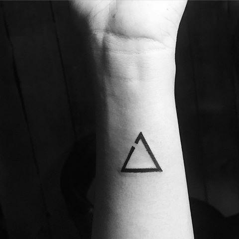 tatuaje-delta-incompleto.jpg