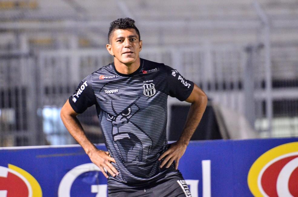 Edson volta ao time da Ponte  — Foto: Álvaro Jr/ PontePress