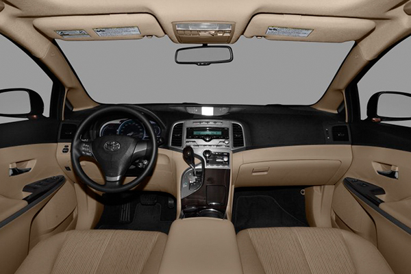 cabin-of-Toyota-venza-2010