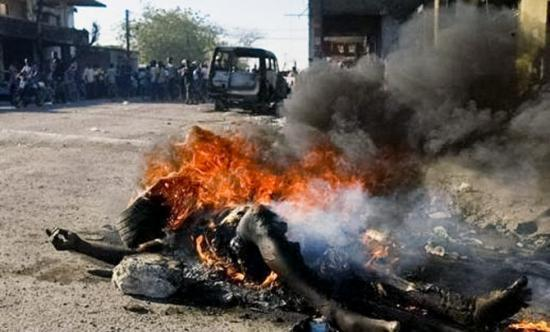 3-The-execution-mode-of-choice-necklacing-in-South-Africa
