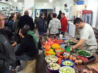 Poniéndonos en tema para el pernil del viernes: Fotos de la Cena Mexicana del 26/9 1