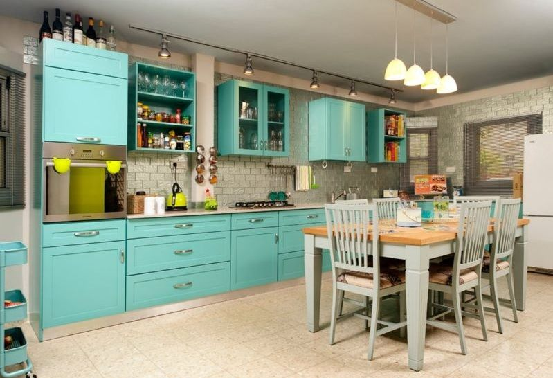 Turquoise-kitchen-decor-with-turquoise-cabinet.jpg