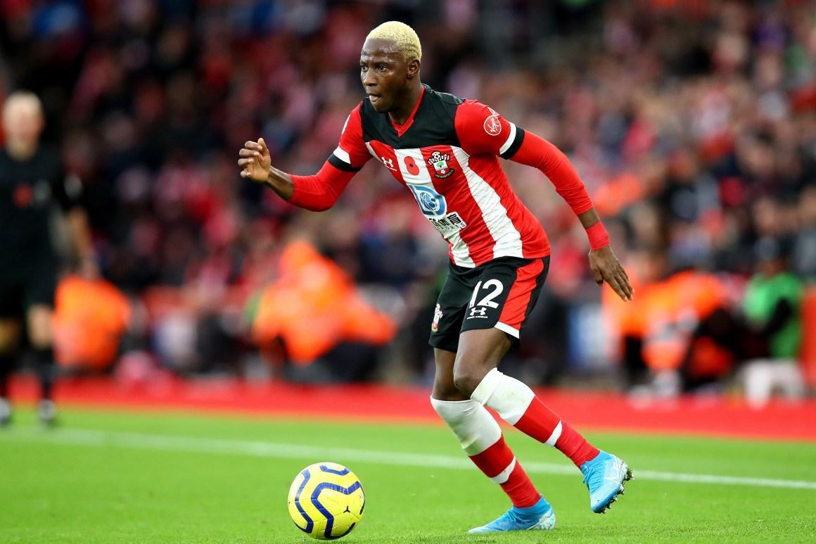 Moussa Djenepo trongmàu áocủađội bóngSouthampton