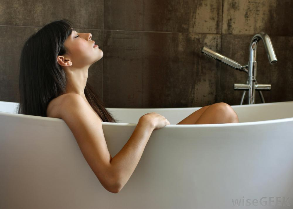 http://images.wisegeek.com/woman-in-bathtub.jpg