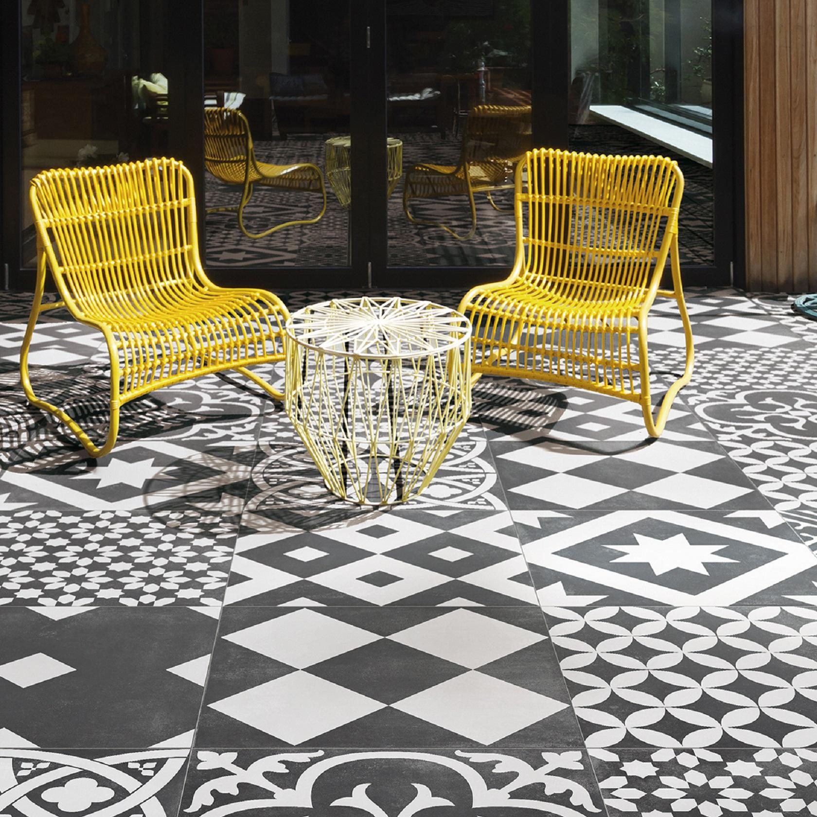 Black and white patterned tiles for outdoors