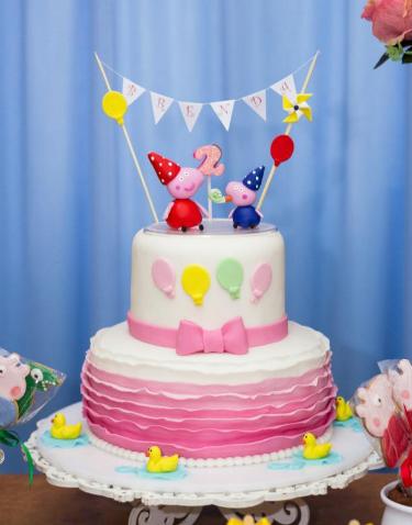 bolo de aniversário tema Peppa Pig
