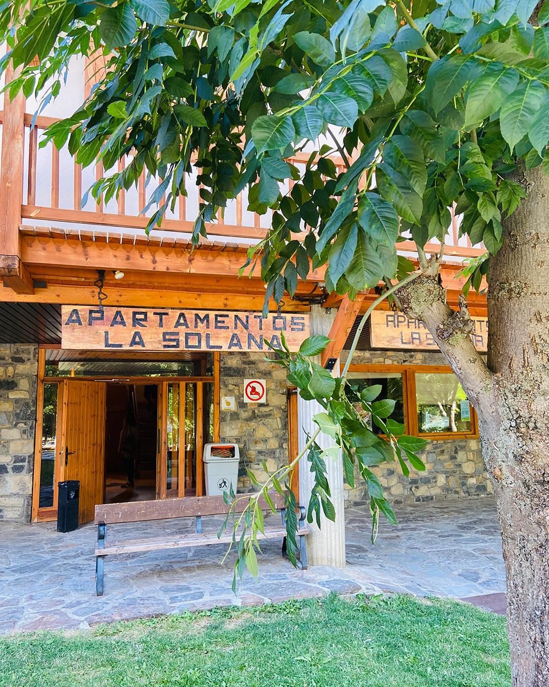 Entrada de los Apartamentos La Solana