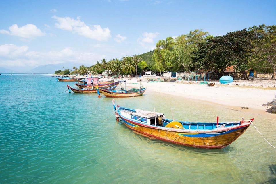 Tháng 12 nên đi du lịch ở đâu? Các điểm du lịch nên đi vào tháng 12 - Vietmountain Travel 10