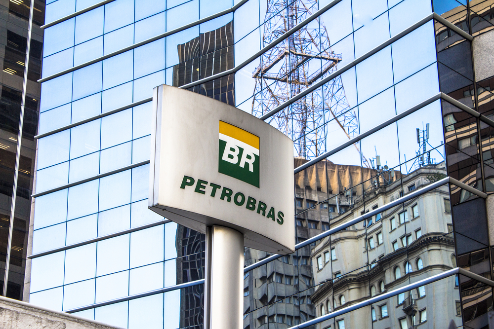 Petrobras detém poderio sobre o preço de venda do petróleo para refinarias brasileiras. (Fonte: Alf Ribeiro/Shutterstock)