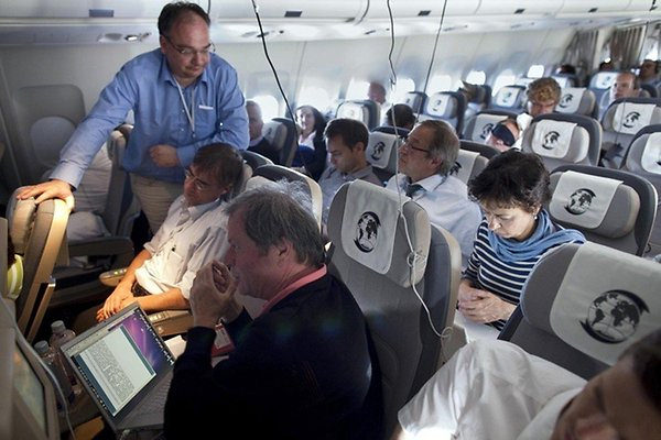 The journalist section of the plane carrying Merkel, photograph from dpa
