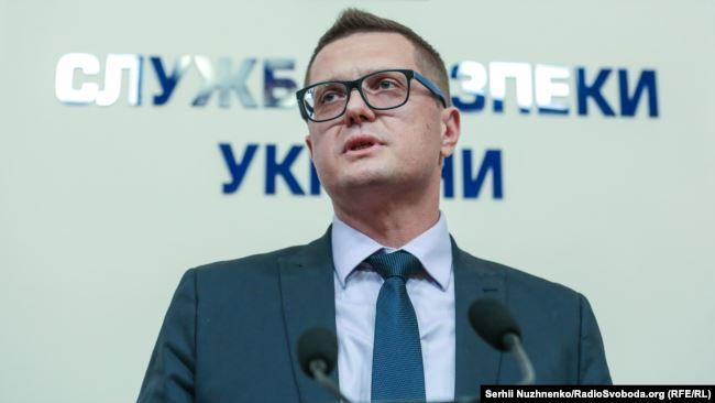 Невже Іван Баканов і його підлеглі сподіваються, що до 1 червня за законопроєкт президента проголосують, і він врятує їх від декларування?