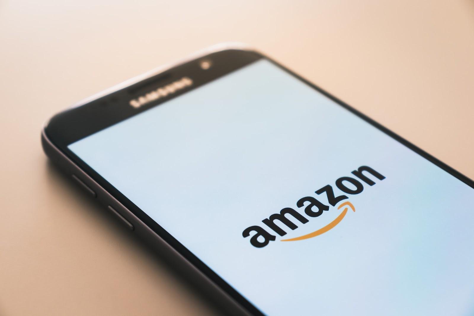 Existem dois tipos de conta para quem quer vender na Amazon: a individual e a profissional. (Foto: Unsplash)