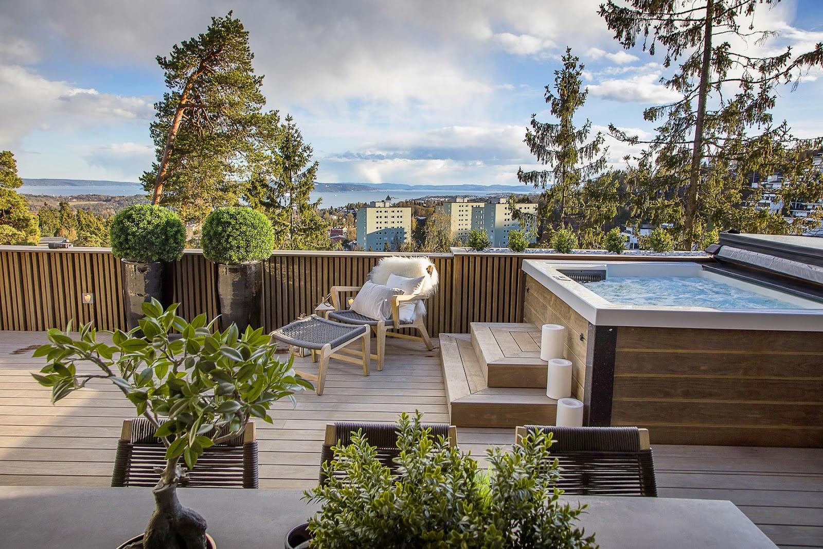 Vedlikeholdsfrie terrassebord fra Kebony egner seg særdeles godt til bruk i Norge