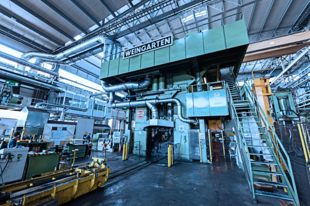 Max Press es una de las presas de tornillo más grandes del mundo, con una capacidad de 32000toneladas.