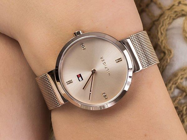 Niebanalny dodatek w postaci modnych zegarków Tommy Hilfiger