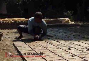 proses pembuatan batu bata merah dari tanah liat secara tradisional