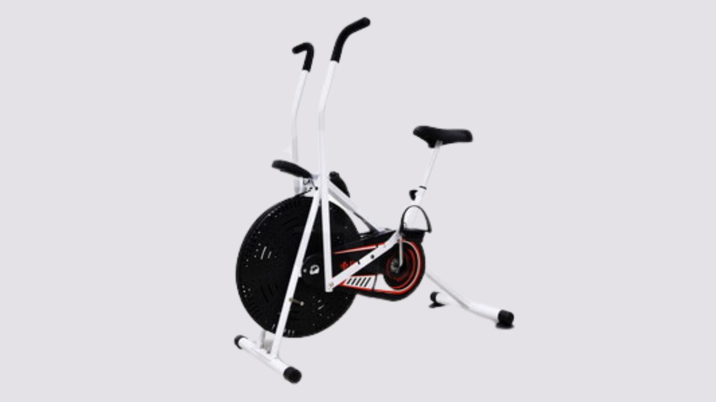 5. B&G Fitness จักรยานนั่งปั่น Air Bike รุ่น BG8702