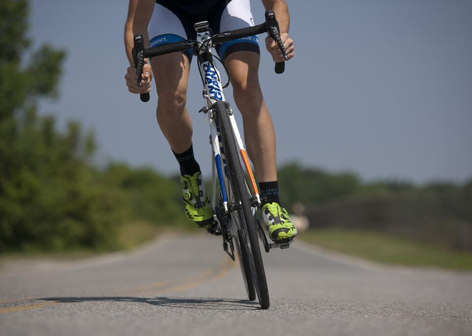 cycling-655565_960_720.jpg