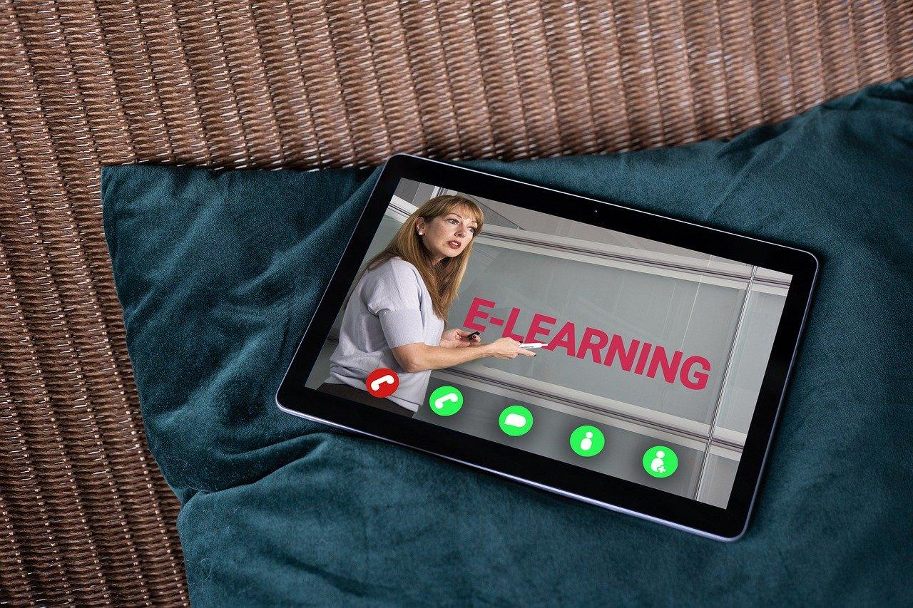 A LifeRay keretrendszer könnyen szerkeszthető, reszponzív megoldásokat kínál