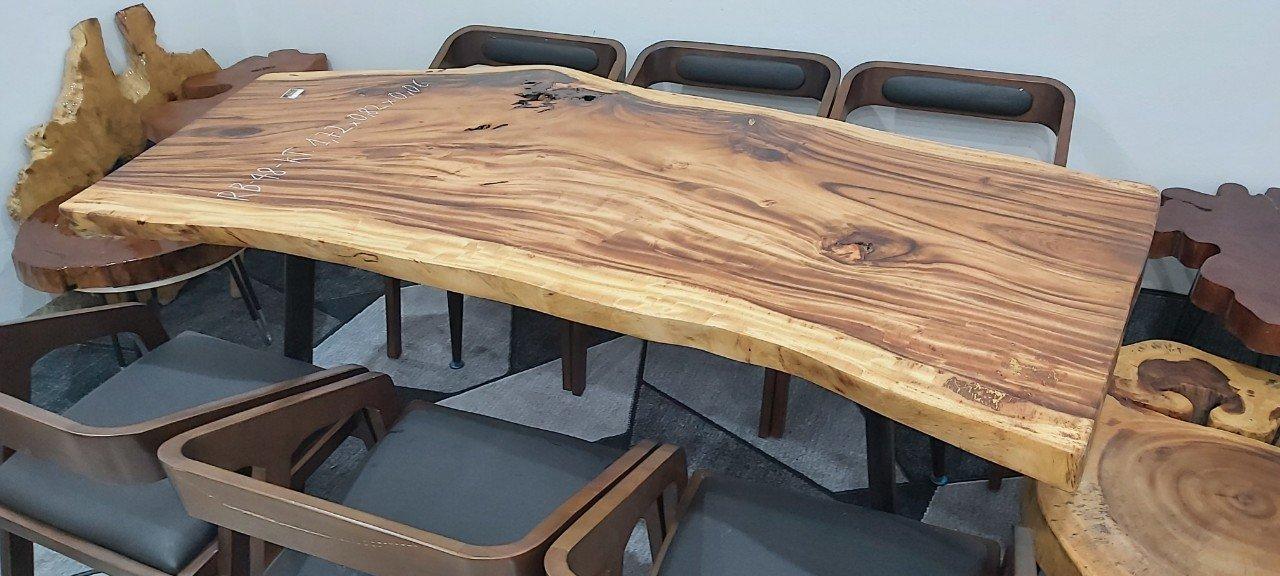 Mặt bàn gỗ me tây tự nhiên nguyên tấm