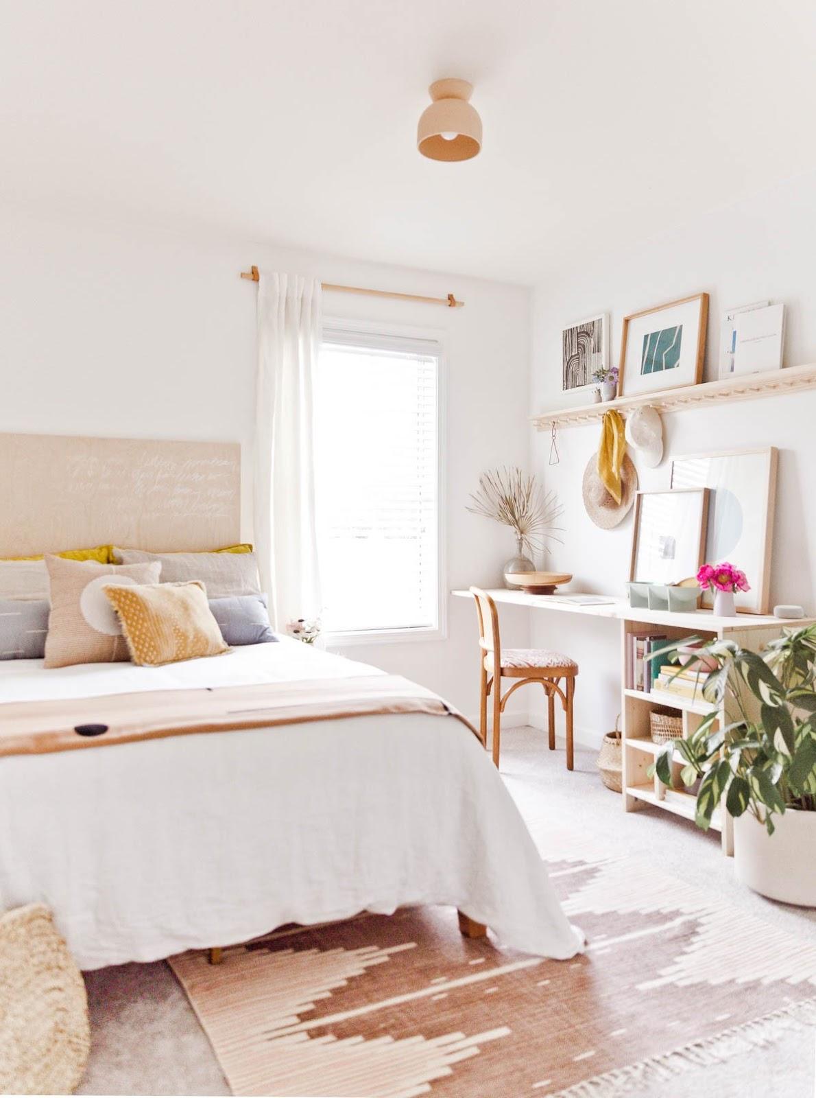 Chic Bedroom Office Ideas