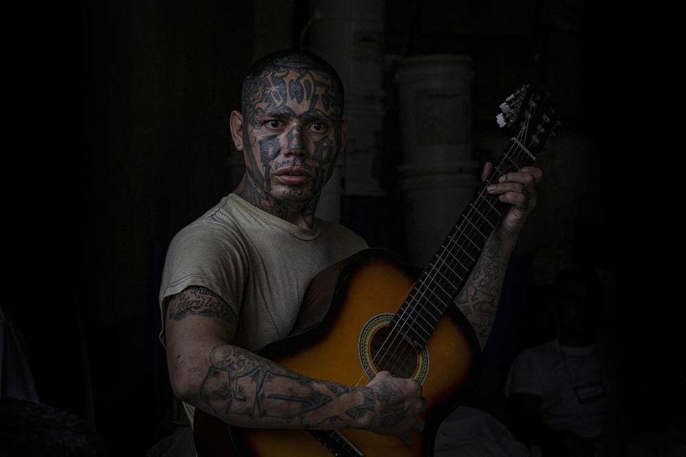 Фото заключенного в Сальвадоре