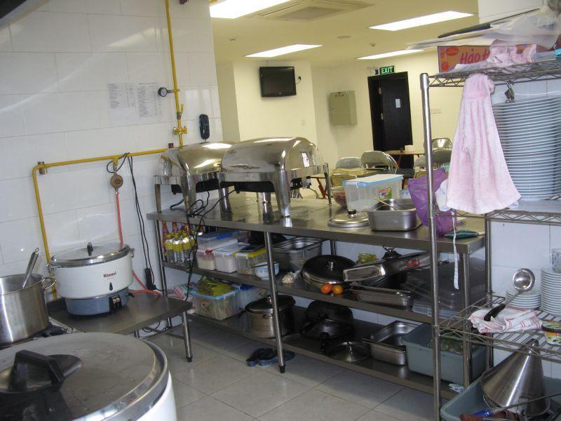 Thanh lý dụng cụ bếp của quán ăn