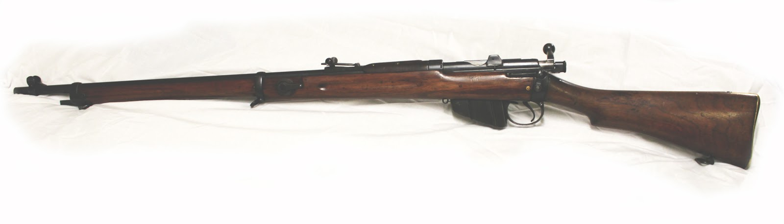 Lee MK1 rifle side view