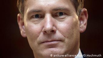 Томас Шелленбахер у політиці нічим не запам'ятався. Крім сумнівних зв'язків з українськими грошима