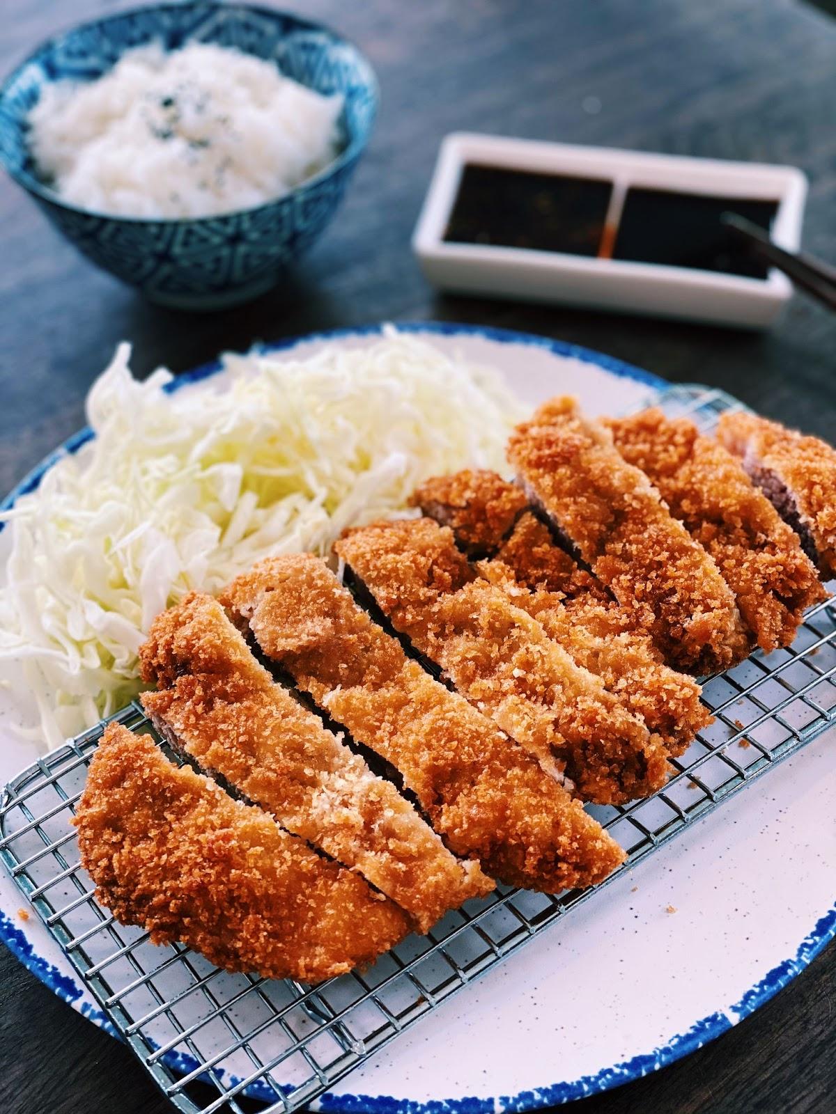 Tonkatsu - Japanese Fried Pork Chops (CRISPY & CRUNCHY)
