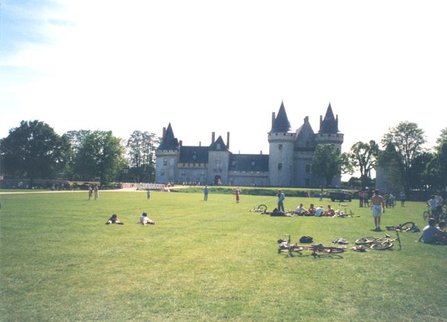 C:\Users\foure1\Documents\Perso\RAID ESEM\Tous les Raid ESEM\Raid ESEM 1999\Photos Raid1999\Parc du château.bmp