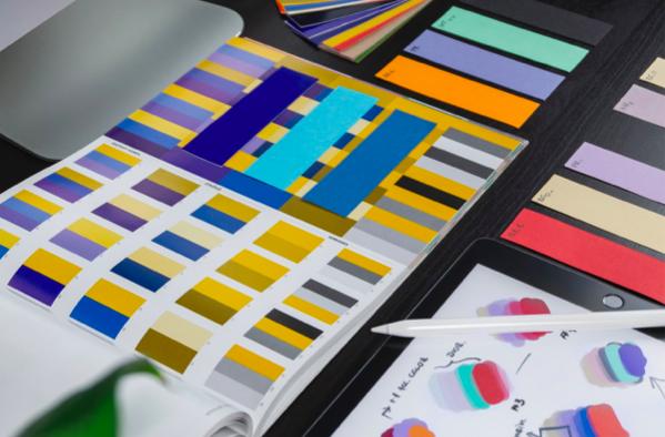 Planification de la marque avec la fonction Kit de marque de Designmaker.