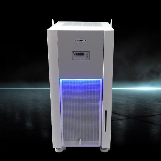 """画像は、当社筐体デザイン・設計・製作事例で、関東精機株式会社「液温自動調整機」です。水や純水、その他特殊な液体や流体を熱にして温度調整をための機器です。関東精機様がSDGsの取り組みとして掲げる""""新ブランド、新製品のリリースに相応しいデザインを創造して欲しい""""というお客様のご要望の基に、工業デザインでは、デザイナーがラフスケッチを描き、3D-CADのSOLIDWORKSを使用してモデリング(ソリッドモデリング)を行いデザインモデルを作成しました。筐体設計ではメンテナンス性を考慮し、正面は開き扉の構造として電装や機械へのアクセスを容易にすると共に、カバーの着脱に必要なネジの本数を抑える構造を採用しました。さらに、LED光源をプラスチック(アクリル樹脂)に透過させ、視覚的に製品をアピールします。また、設計過程ではSOLIDWORKS SimulationやansysなどでCAE解析などのシミュレーションを行い、荷重や振動による製品の強度や熱の伝導などの性能評価、検査・検証、試験を行っています。 納入品として、3Dデータ、図面、外装カバーの試作品、使用説明書などのドキュメントをアウトプットしました。"""