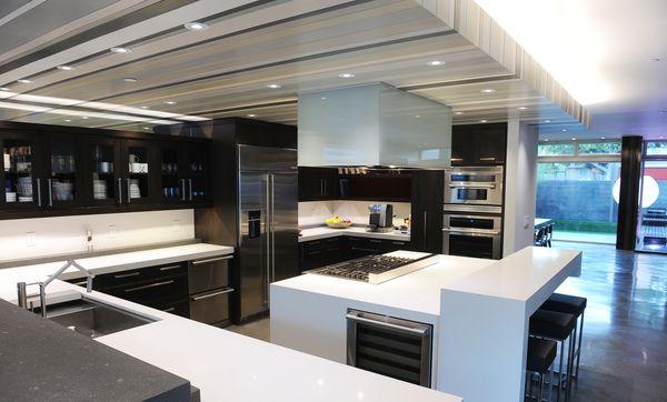 Dapur dengan peralatan ramah lingkungan dan hemat biaya - source: latimes.com