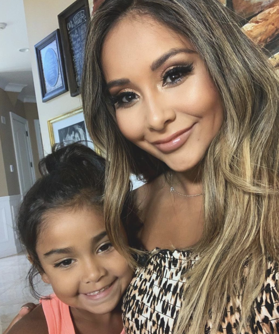 Snooki of Jersey Shore and daughter