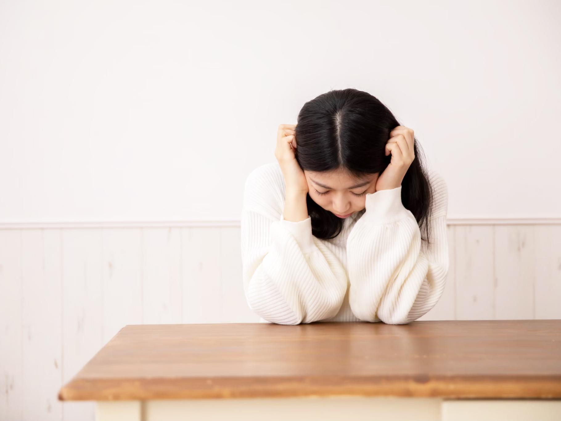 コロナうつとは?症状の特徴や原因について