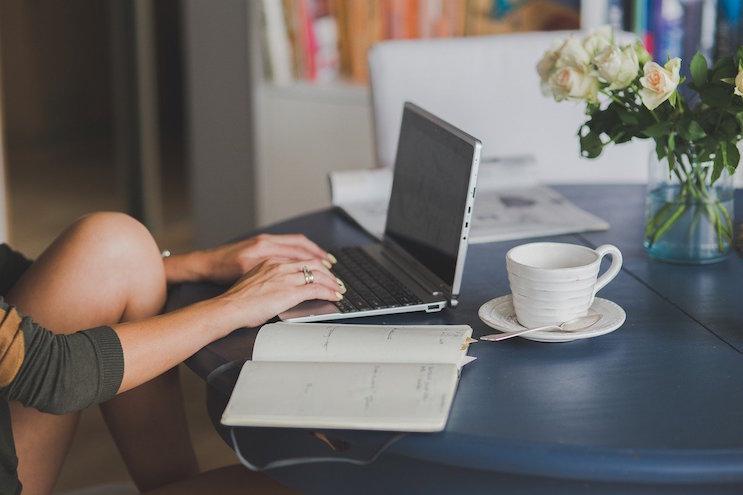 手に職をつけたい女性におすすめする仕事:在宅編